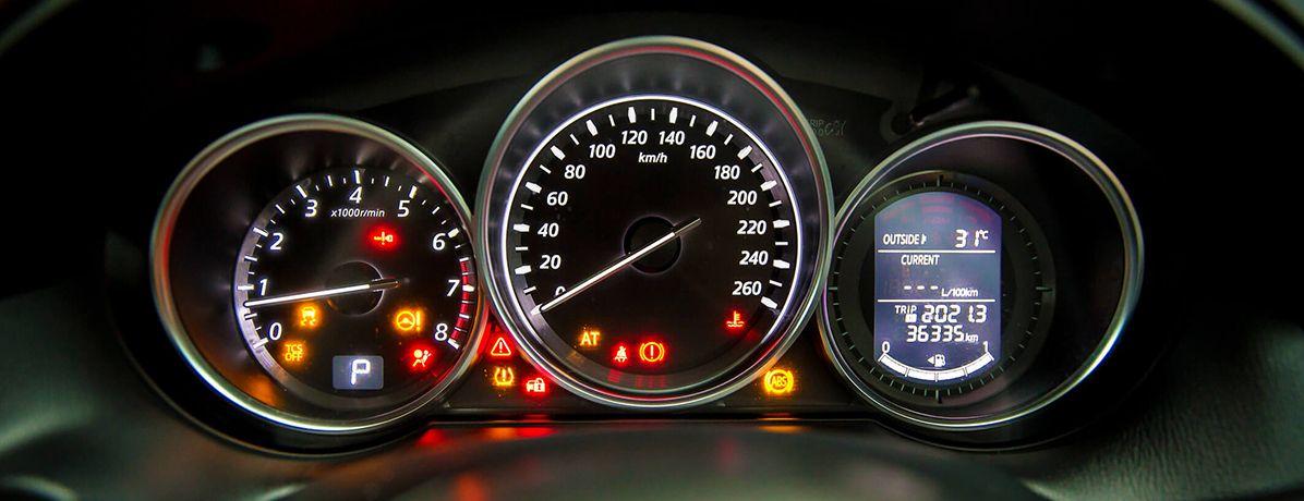 O que as luzes do painel do carro representam? Descubra neste artigo!