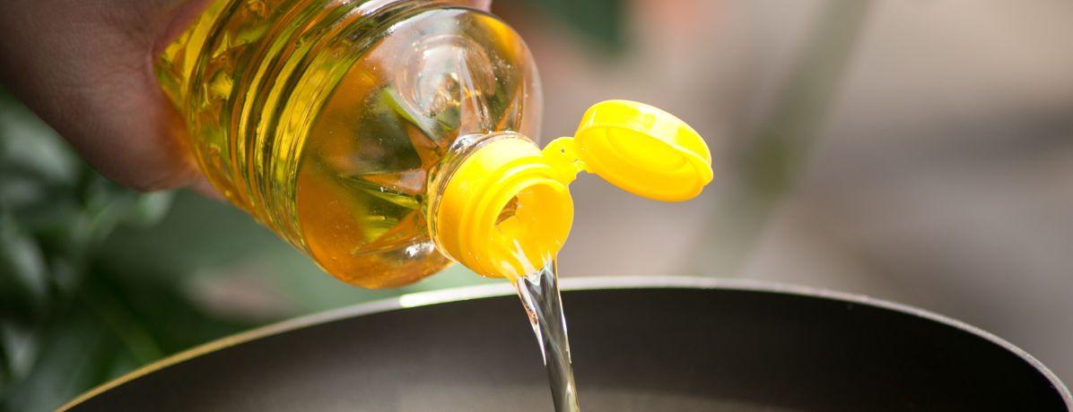 Você sabe como descartar o óleo de cozinha? Contamos para você!