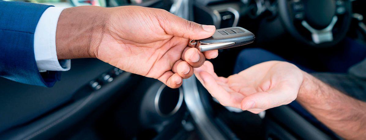 Comprar carros usados: quais são os seus direitos?