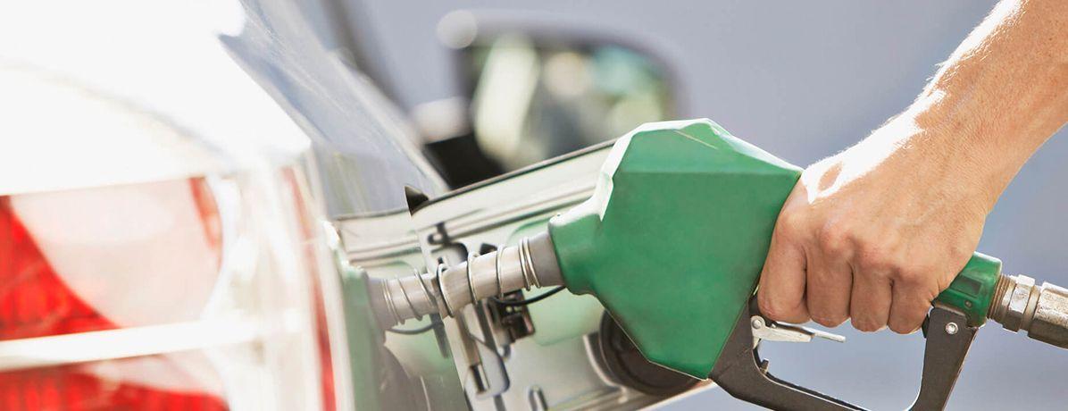 Conheça 5 dicas práticas na hora do abastecimento de combustível