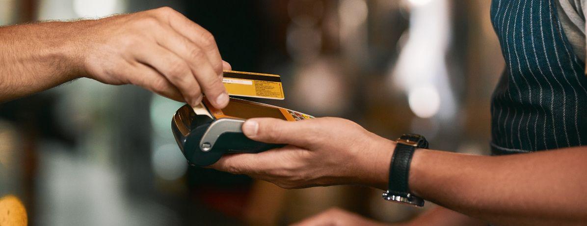 Parcelar ou pagar à vista: quando é indicado cada uma das opções?