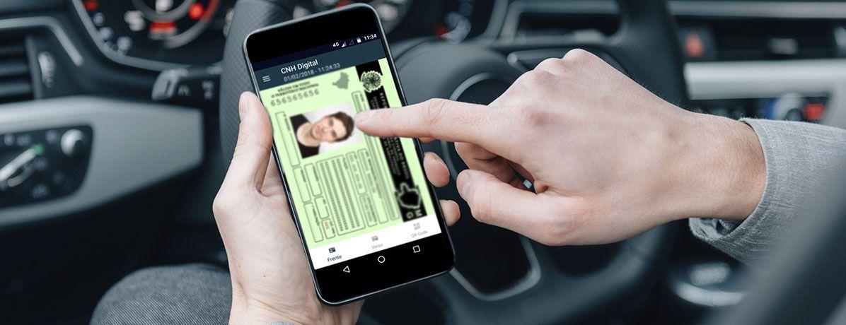 Documentos digitais: por que manter sempre a CNH e o documento do carro no celular?